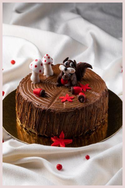 ΤREE TRUNK LACTE CAKE